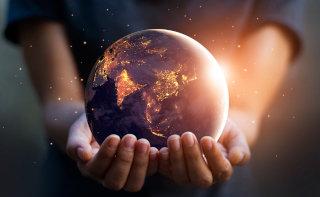 Zemlja v rokah